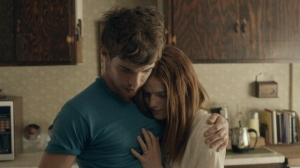 Harry-Treadaway-and-Rose-Leslie-in-Honeymoon