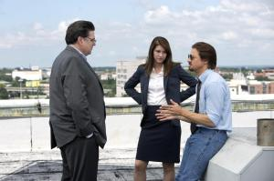 still-of-oliver-platt,-jeremy-renner-and-mary-elizabeth-winstead-in-kill-the-messenger-(2014)-large-picture